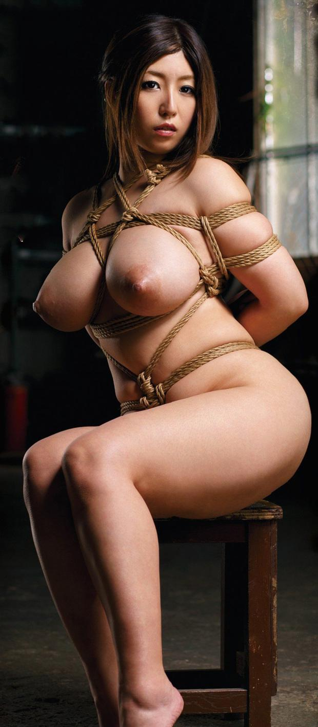 241586-hot-asian-big-boobs-in-this-incredible-bondage-photo
