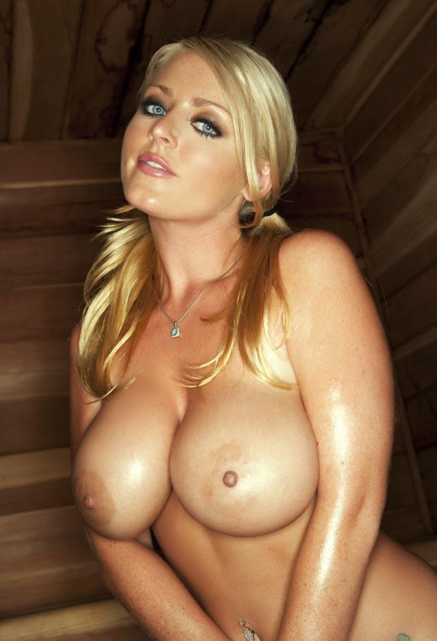 Big-Tits-Girl-Sophie-Dee-In-The-Sauna