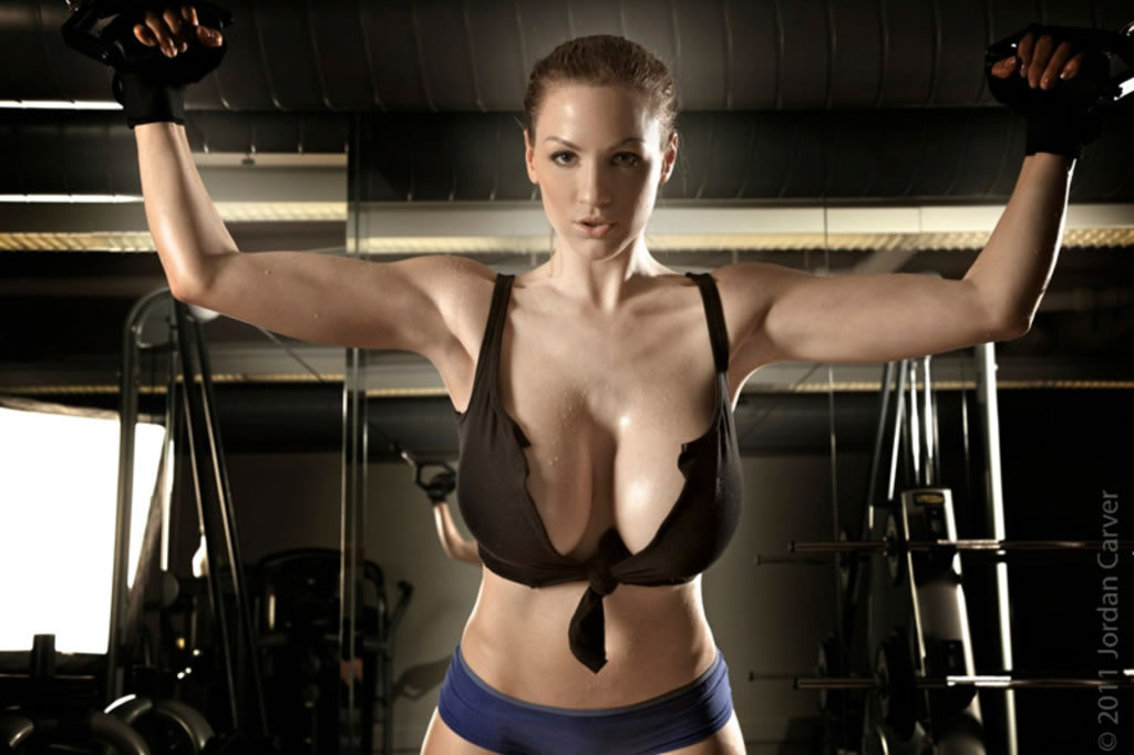 Jordan carver got some sweaty boobs at the gym mega