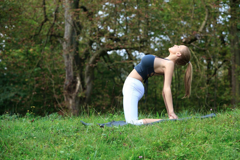 Jordan-Carver-Yoga-25