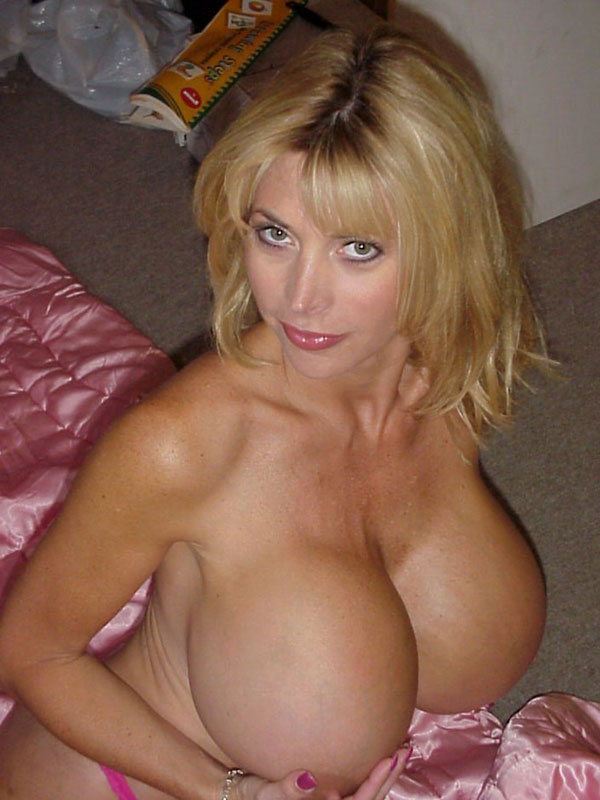 Free vids of mega boobs