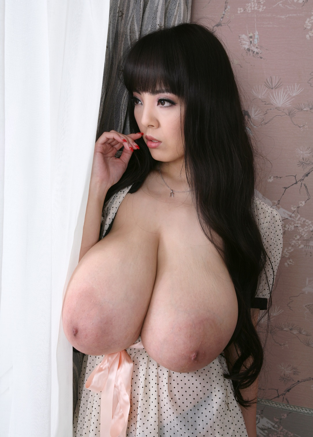 Nude girl squirt video